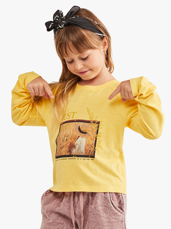 חולצת טי עם דפוס תמונה