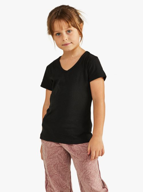 חולצת טי שרוול קצר בגזרה צמודה