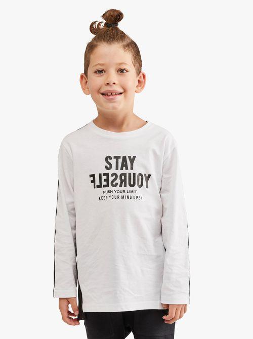חולצת טי בשני צבעים